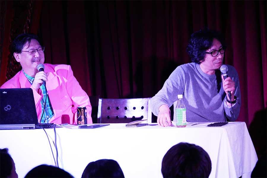 菊池市で行われた「真夜中の映画祭」では映画評論家のミルクマン斉藤氏(左)とともに司会した行定監督