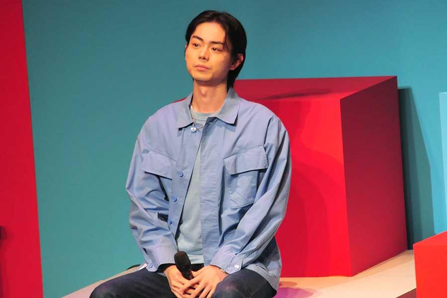 菅田将暉がリアルに週3回でカラオケに行くワケ…「家でもできるよう防音の部屋作る」