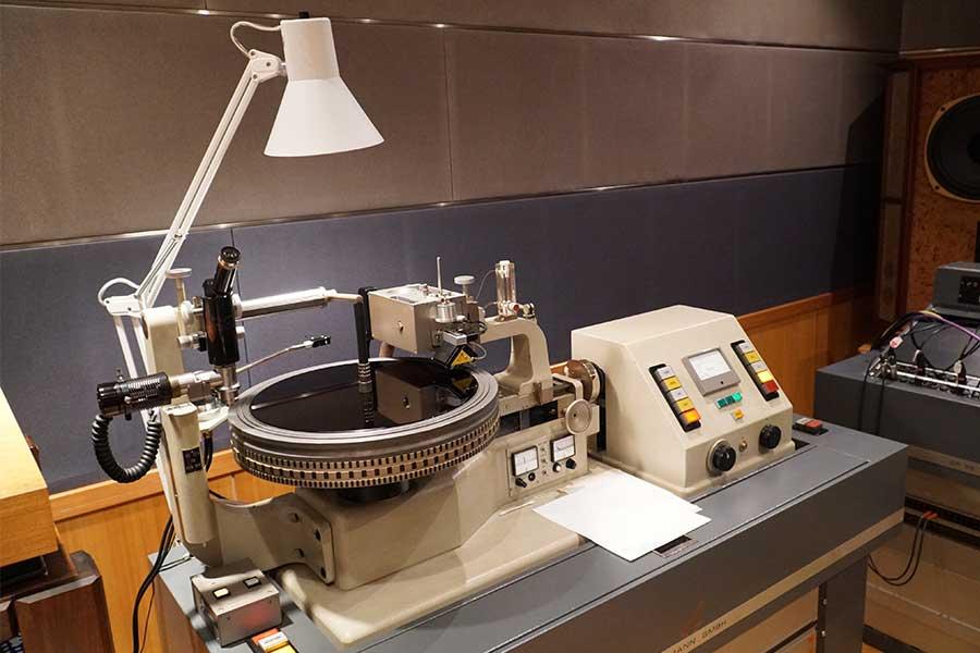 1年半をかけて修復に至ったアナログカッティングマシン「VMS70」