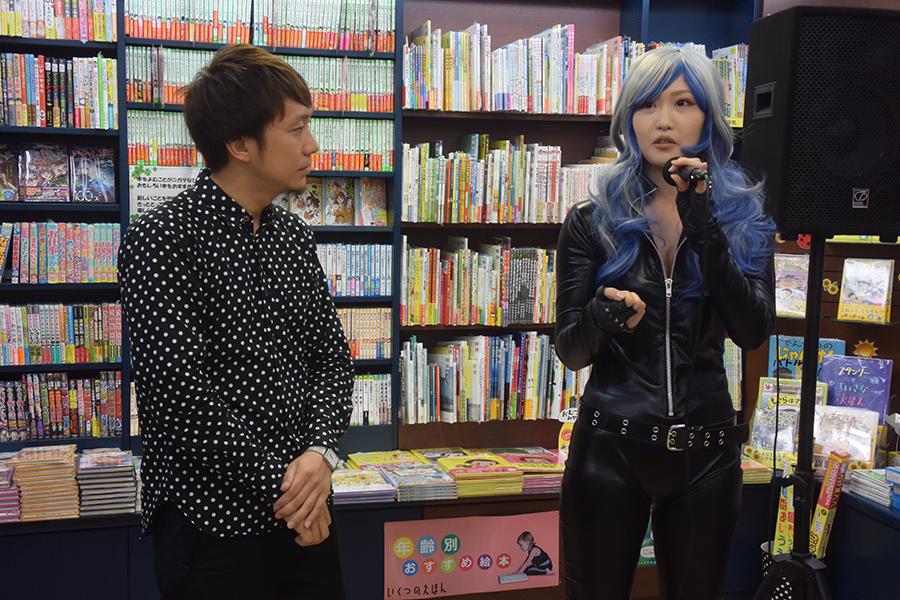 せきぐち(右)と赤津氏がVRの未来図を予想した