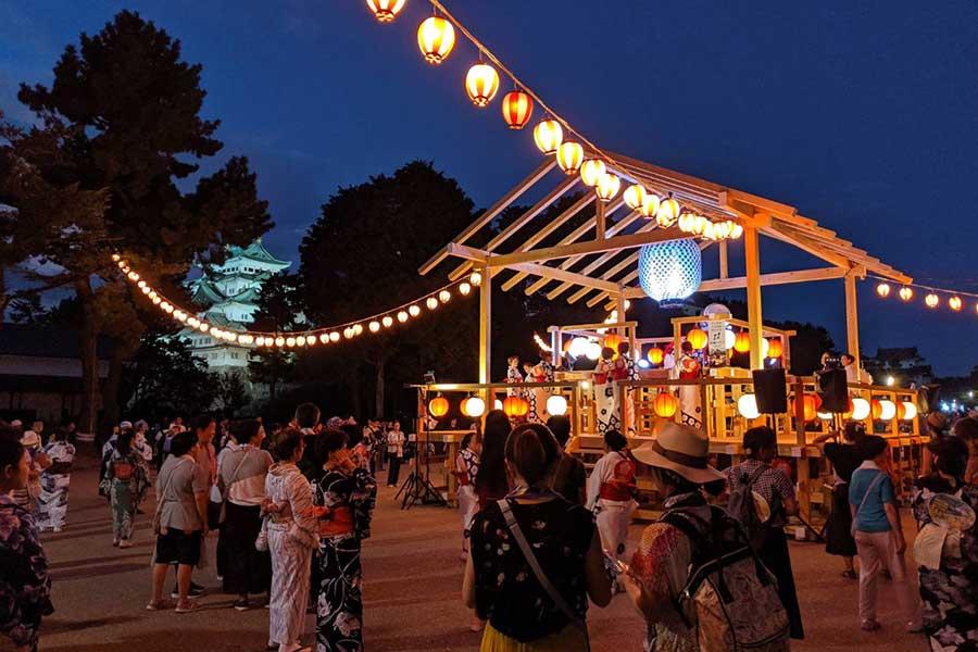 盆踊りの定番ソングは「ダンシング・ヒーロー」…実は愛知県中心に20年以上前から