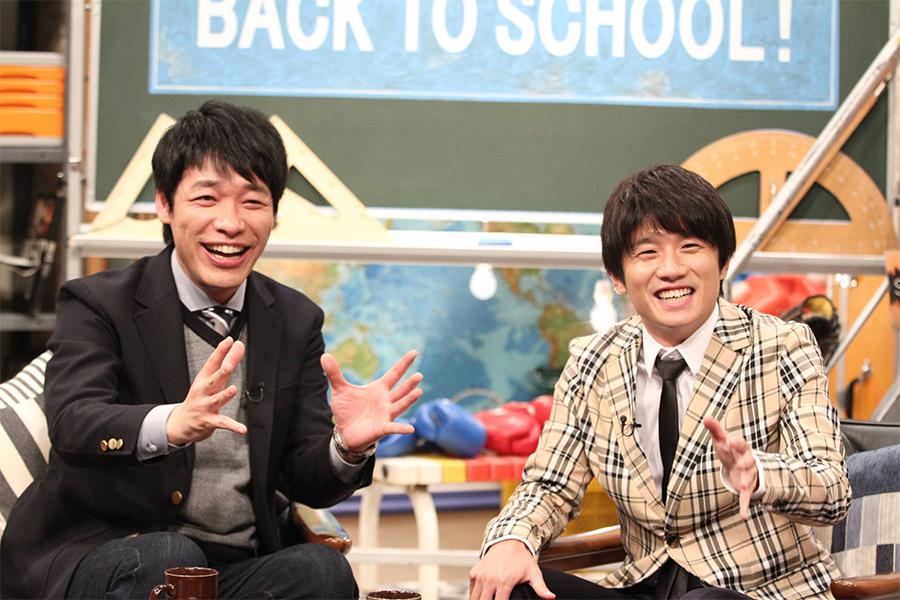 MCを担当する風間俊介(右)と川島明(左)【写真:(C)フジテレビ】