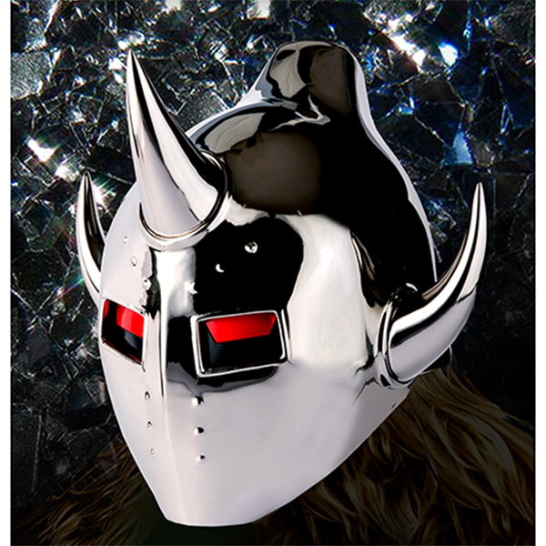 輝きを放つマスク
