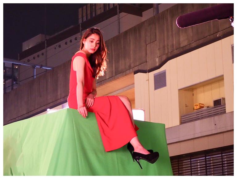 ドレス姿の新木(C)新木優子オフィシャルブログ「モトカレマニア」 Powered by Ameba