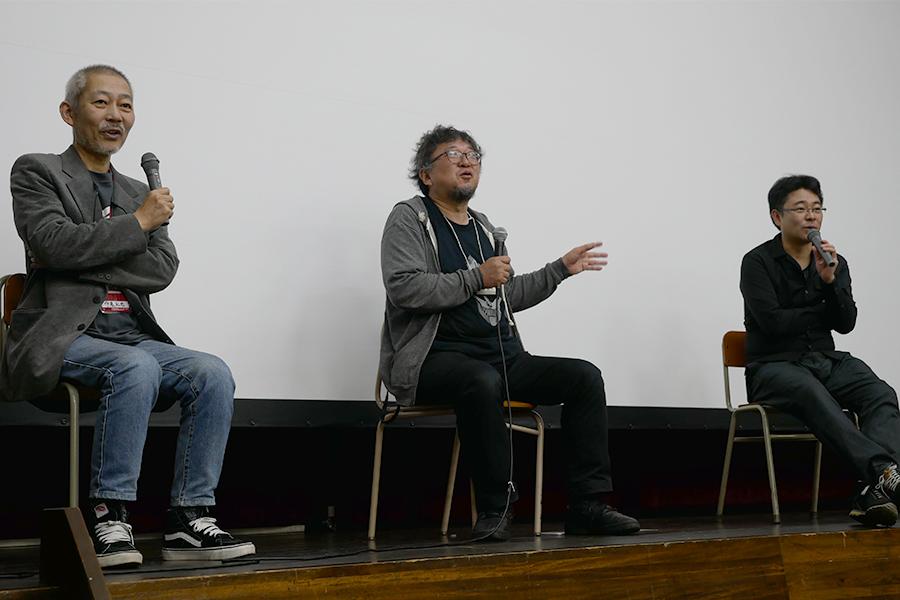 (左から)伊藤和典氏、樋口真嗣監督、田口清隆監督