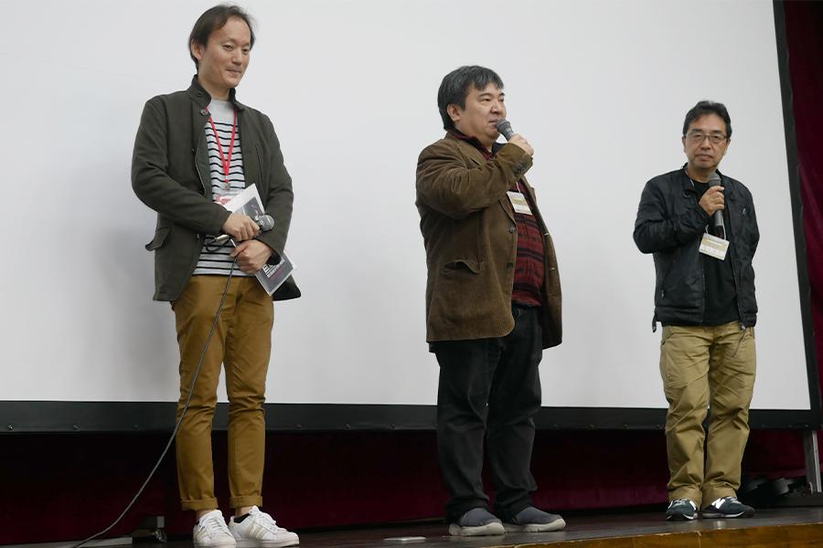 劇場版アニメ「巨蟲列島」(左から)石黒達也プロデューサー、井口昇監督、音楽の福田裕彦氏