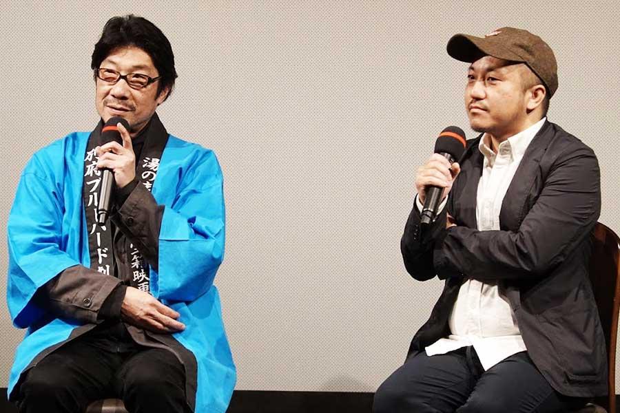 トークショーを行った白石和彌監督(右)と阪本順治監督