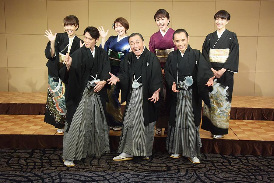 豪華なメンバーが揃った(前列左から辰巳、佐藤、片岡、後列左から小林、菅原、あめく、鈴木)