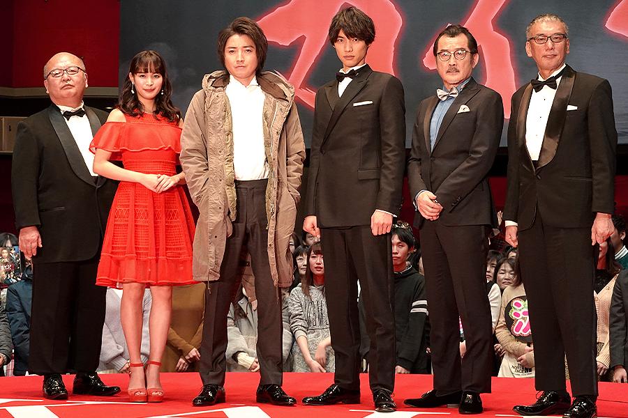 (左から)佐藤東弥監督、関水渚、藤原竜也、福士蒼汰、吉田鋼太郎、福本伸行氏