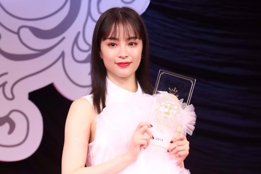 今年の「最も美しい顔」に選ばれた広瀬すず【写真:山口比佐夫】