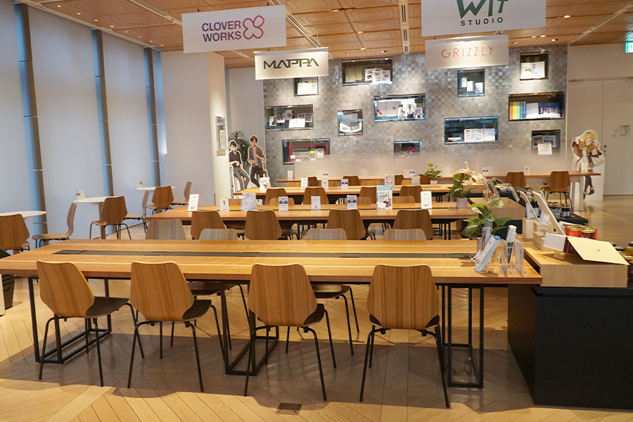 1階のカフェでは企画展と連動したコラボメニューを用意