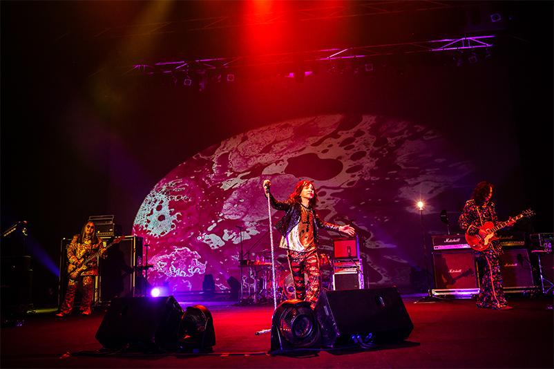 レッドウォーリアーズ 円熟期を迎えた最新ライブを映像化 秘蔵音源やボーナス映像も