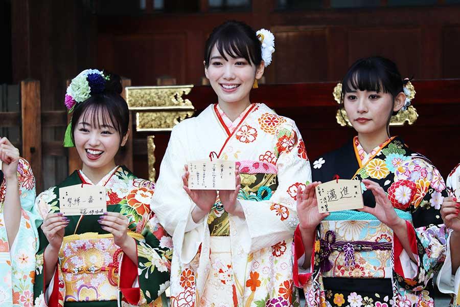 「渋谷ジャック」「色気とか出していけたら…」13人のエイベックス美女が晴れ着で抱負