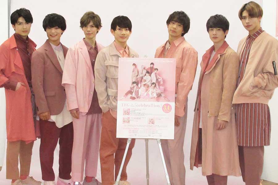(左から)坂垣怜次、堀田玲央、健人、赤澤遼太郎、前川優希、佐藤信長、桜庭大翔