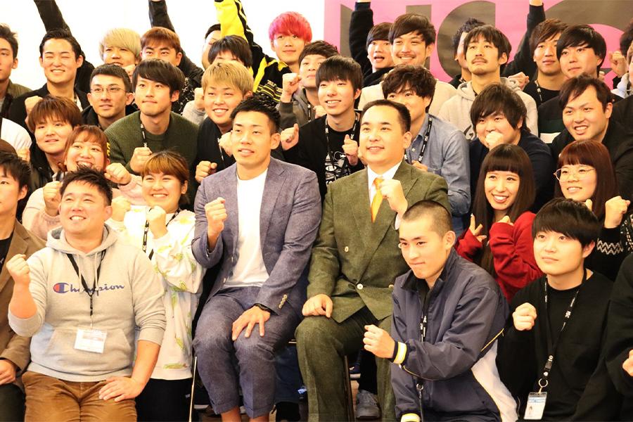 NSC東京校で特別授業を実施した「ミルクボーイ」