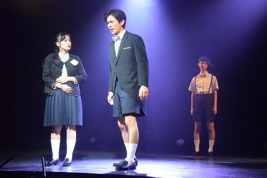 劇団4ドル50セントと柿喰う客がコラボ ゲネプロ公演は熱気最高潮