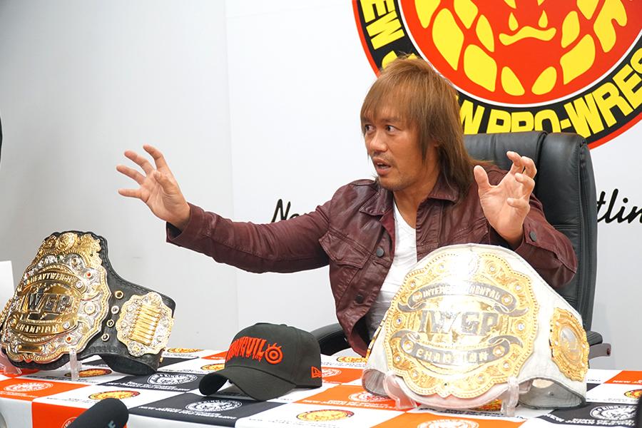 内藤は2つのベルトを保持する「伝説」をつかんだ