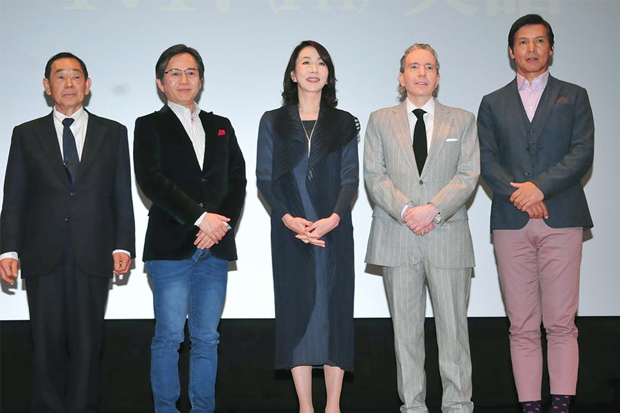 登壇した(左から)河野義行氏、下村健一、長野智子、デーブ・スペクター、阿部祐二