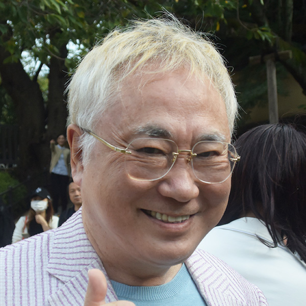 """高須院長、新型コロナを完全防御し、西原理恵子氏と""""外出デート"""""""