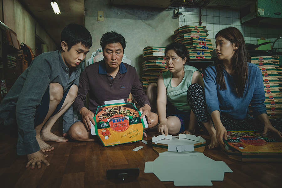 オスカーの歴史変えた韓国映画「パラサイト 半地下の家族」が日本に突きつけた課題