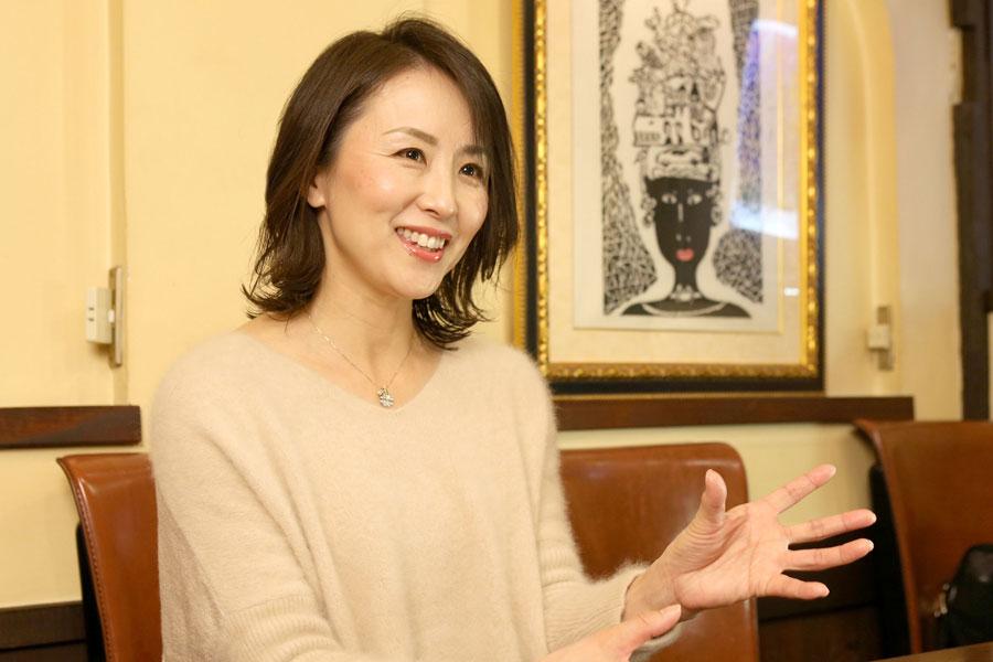 正しい腸活のための簡単レシピを紹介する田和璃佳さん