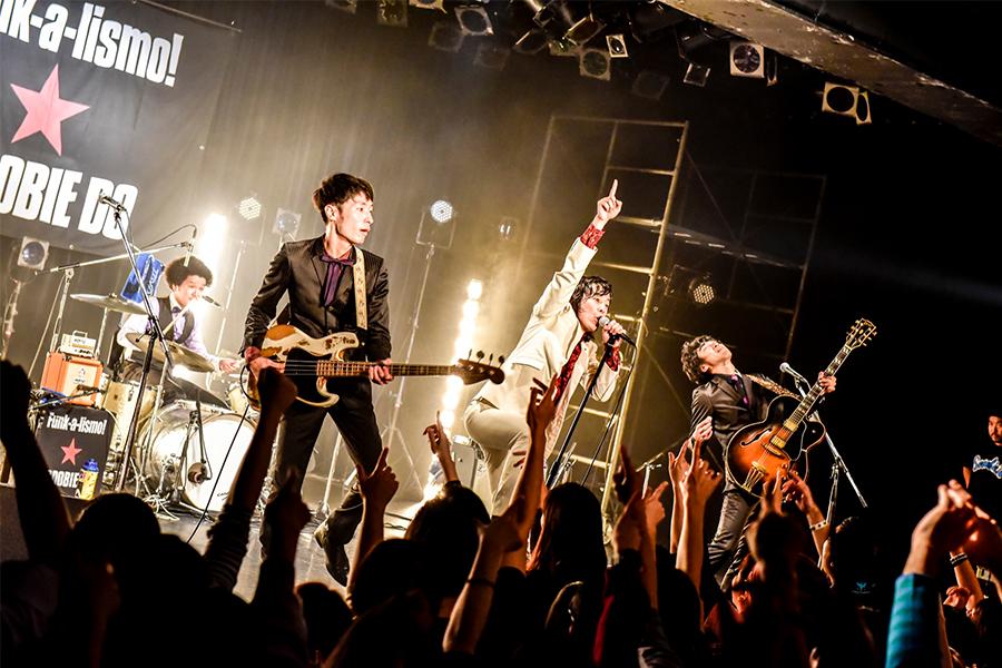 結成25周年の全国ツアーを延期したSCOOBIE DO 【Live Photo:小見山峻】