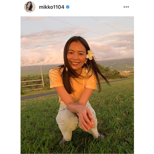 「VERY」矢野未希子が自然体コーデ披露 「脚長っ!」「髪がサラサラ艶々」ファン絶賛