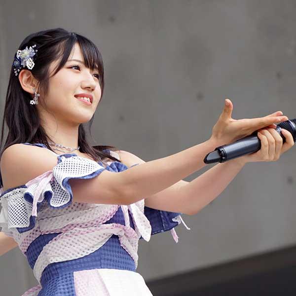 AKB48村山彩希「女の子は大変だぁ」と本音!? 岡田奈々とコンビでお菓子作りの動画が話題