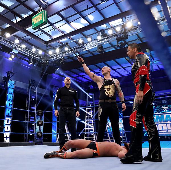 WWE 中邑&セザーロがブライアンを襲撃、25周年のトリプルHをビンスが祝福!