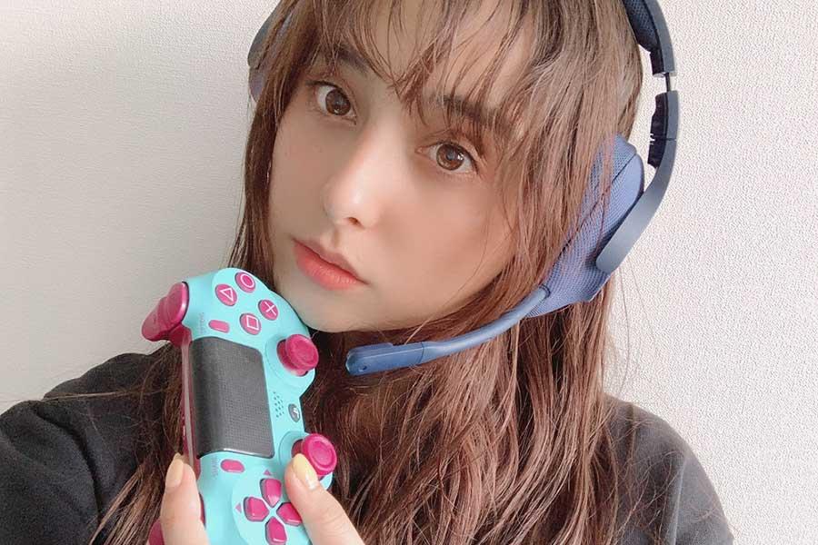 石田ニコルがYouTubeで「リモート飲み会」 チャンネル開設でゲーム実況、ファンと生交流