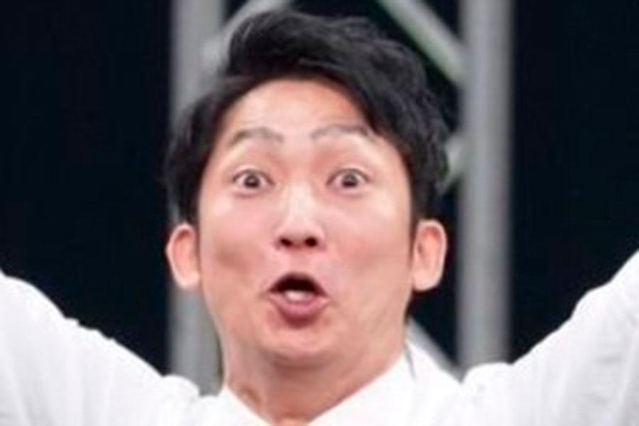 """ノンスタ石田、相方・井上と""""距離を保った""""写真公開「漫才もこれくらい離れて…」"""