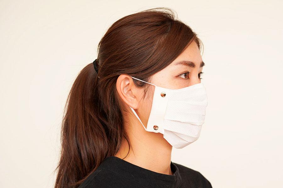 「TEES 一生使えるマスクホルダー」は大人も子供も使える
