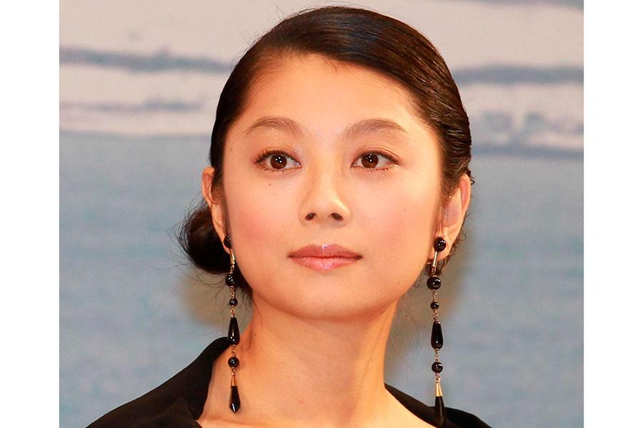 """""""マリア""""小池栄子がついに…驚きのツーショットにファン「やばい!これサイコー」"""