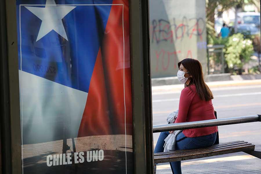 チリ政府が新型コロナ「免疫パスポート」を発行へ 所持者は規制免除、医師は懸念示す
