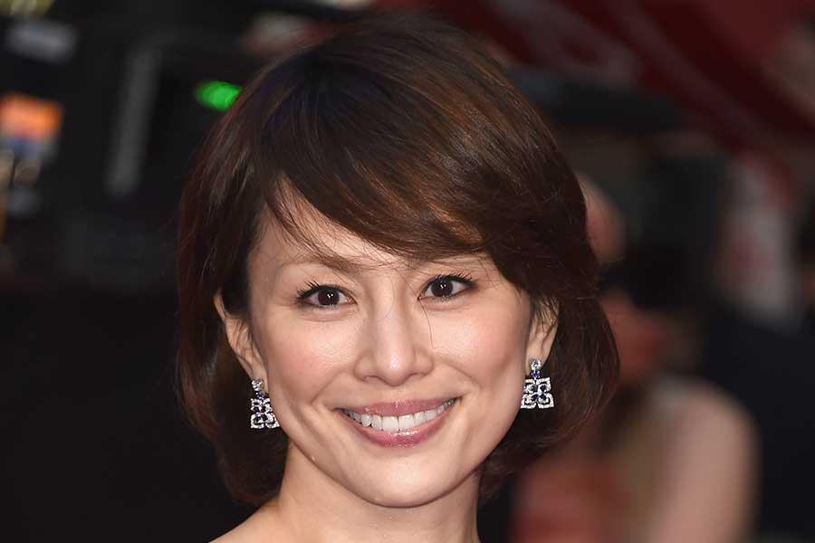 米倉涼子、インスタ最新投稿に絶賛の声「美しすぎて、涙出ました」