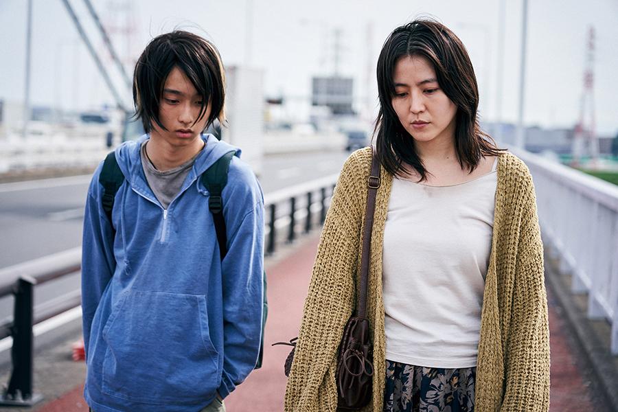 映画「MOTHER マザー」(C)2020「MOTHER」製作委員会