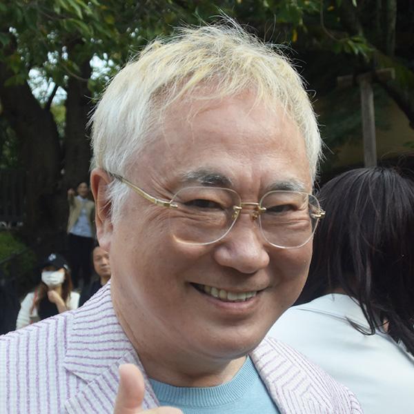高須院長、「高卒」発言で物議の蓮舫氏に「僕の彼女は中卒だけど成功者」
