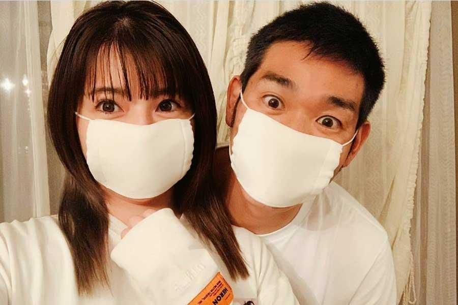 住谷杏奈「マスクが届きました」レイザーラモンHGとマスク姿の2S公開「お顔が小さい」ファン驚き