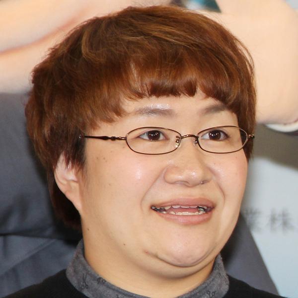近藤春菜、前髪伸びてカズレーザーに変身!? ファン驚き「写真最高~!!!」「似とるwww」