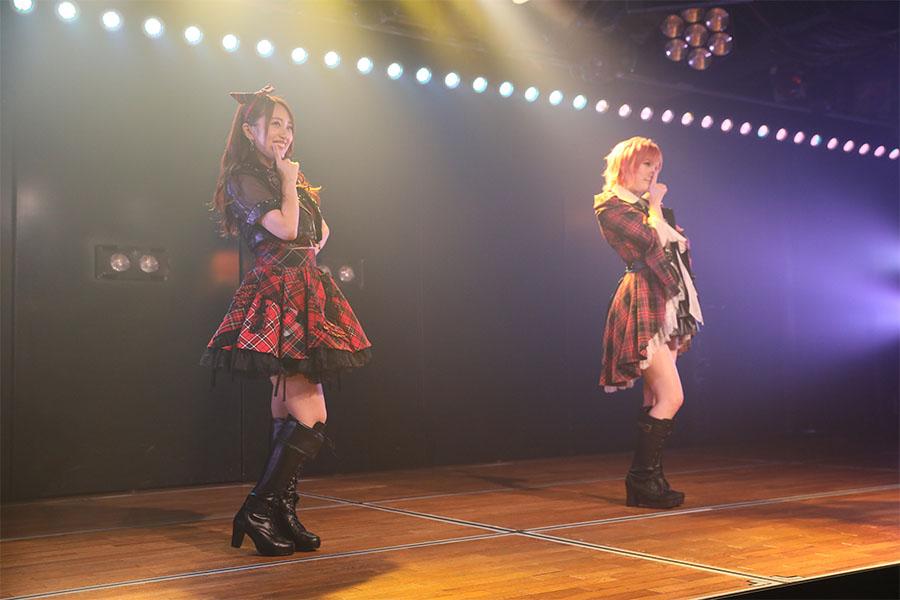 """2人きり""""ソーシャルディスタンス""""でAKB48劇場公演再開 岡田奈々「抱きつきたくて仕方ない!」"""