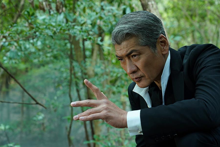 吉川晃司演じる名探偵は金田一耕助と対照的「必要最小限しか喋っていません。たまにはこういう主人公がいても…」
