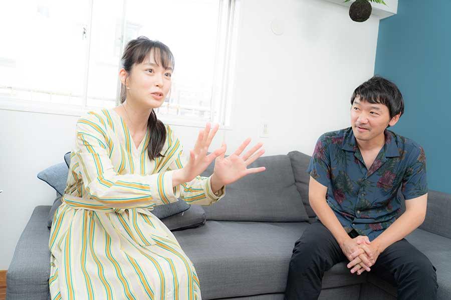 土佐和成と朝倉あきは新感覚SFについて熱く語った【写真:山口比佐夫】