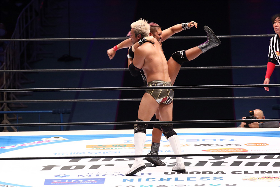 EVILがオカダを撃破! 有観客の大阪城ホールで「NEW JAPAN CUP」初優勝! 内藤の2冠に挑戦