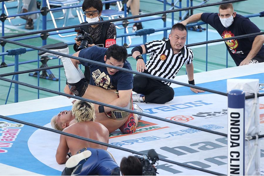 矢野通がオカダ・カズチカから3カウント!21年ぶり神宮球場大会で「KOPW 2020」の初代タイトルを獲得