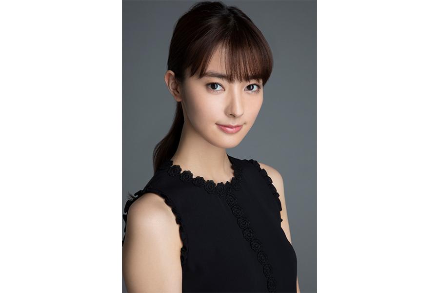 宮本茉由「本当にびっくりしすぎて…」チョーヤ梅酒「The CHOYA」イメージキャラクターに就任