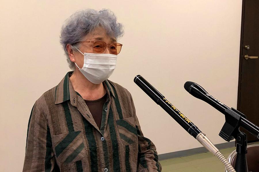 """横田早紀江さん、滋さんの棺に入れなかっためぐみさんのくし""""希望の品""""に"""