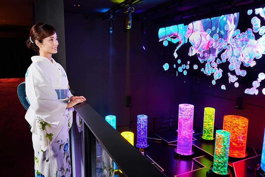 上戸彩、涼しげな着物で「アートアクアリウム美術館」セレモニー登場「美しい夢の世界」