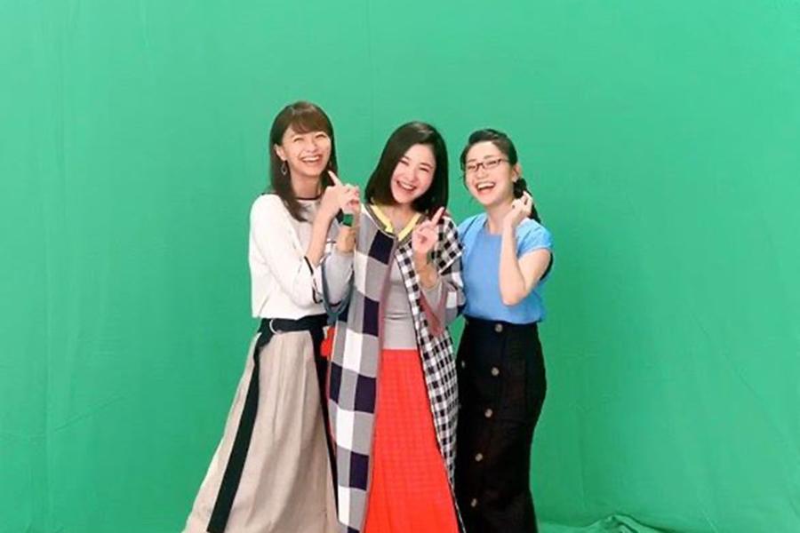 (右から)大島優子、吉高由里子、榮倉奈々【写真:インスタグラム(@tarareba_ntv)より】