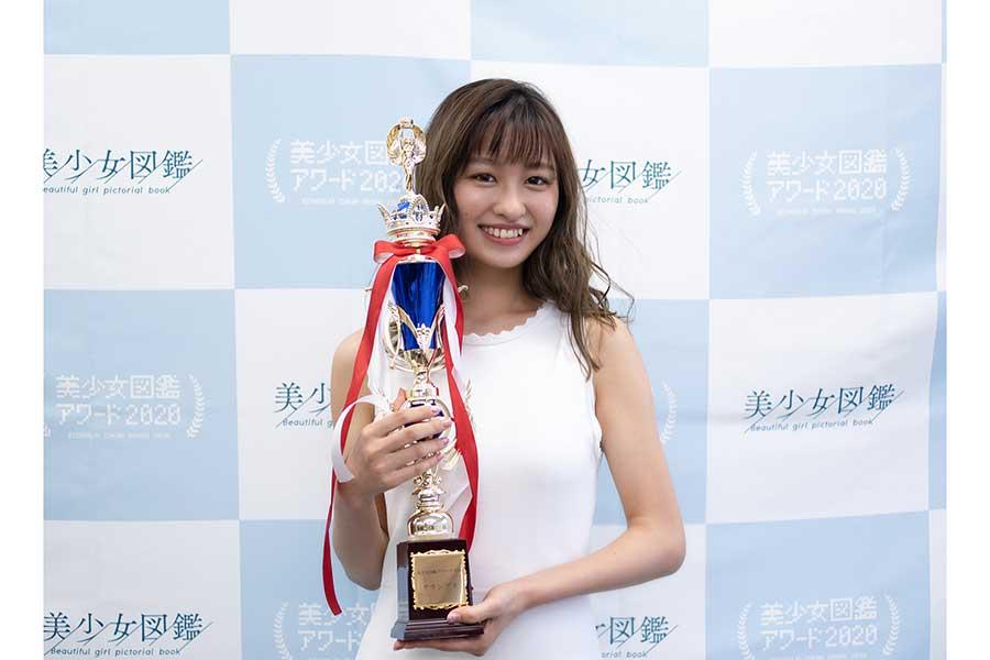 「美少女図鑑アワード2020」グランプリに輝いた佐藤夕璃