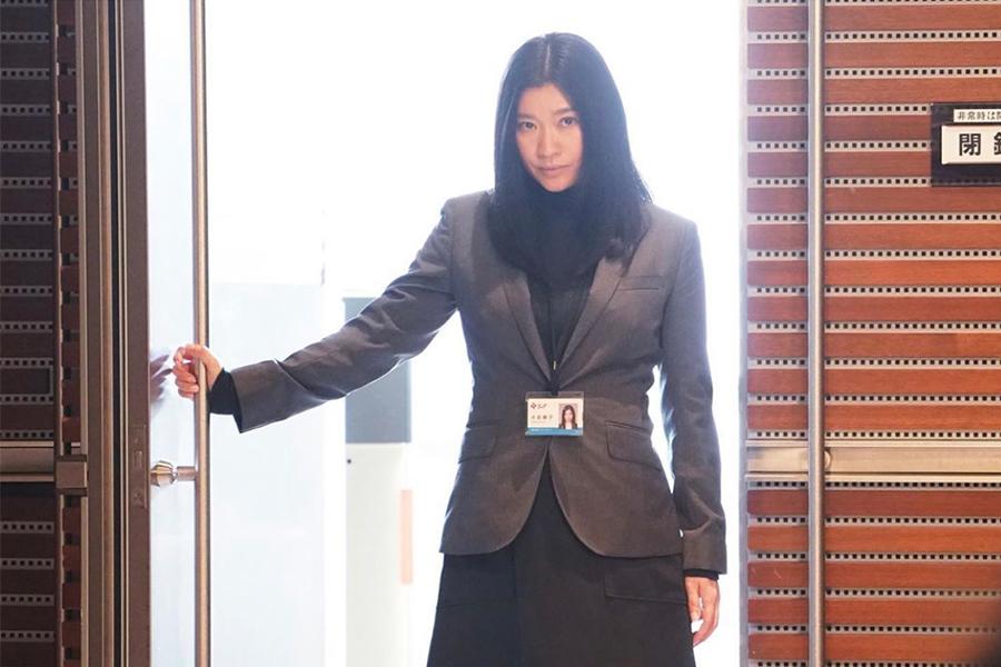 「ハケンの品格」オフショット大放出、篠原涼子ピースショットに「美人すぎます」の声